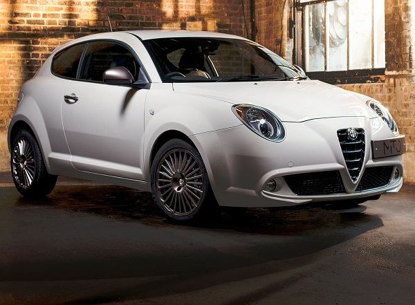 already-on-sale-the-alfa-romeo-giulietta-collezione-elegance-and-sportiness-for-the-top-of-the-range