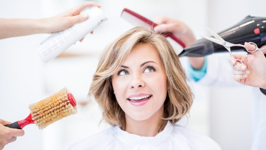 Suitable bangs for women after 40 years: what are younger?