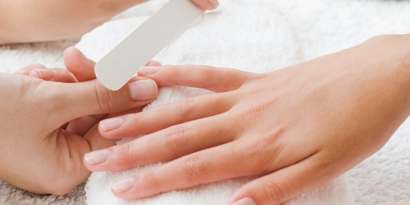 Cracks in the fingers: Causes and Treatment