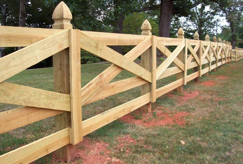 Types Of Fences For A Private House